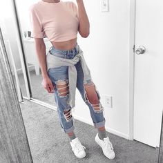 ripped jeans outfit images, image search, & inspiration to browse every day. Tumblr Outfits, Jean Outfits, Trendy Outfits, Girl Outfits, Fashion Outfits, Trendy Shoes, Outfit Jeans, Boyfriend Jeans Outfit, Blouse Outfit