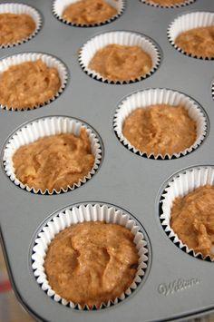 breakie: paleo banana muffins (4 banana, coconut flour, almond butter)