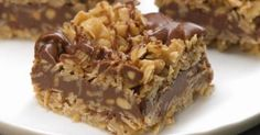 No-Bake Chocolate Oat Bars. Only 10 mins of prep and no oven. Easy No-Bake Chocolate Oat Bars - Need a sweet treat that doesn't require heat? Try our No-Bake Chocolate Oat Bars! This simple delight whips up quickly and mixes crunch with chocolate taste. Peanut Butter Oatmeal Bars, Chunky Peanut Butter, No Bake Oatmeal Bars, Oatmeal Squares, Butter Pecan, Lemon Butter, No Bake Granola Bars, Oatmeal Cake, Cream Butter