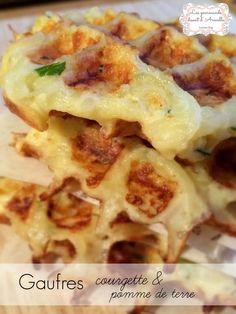 C'est la saison de la courgette alors profitons-en. Pour environ 10 mini gaufres: 200g de pommes de terre 150g de courgette 1 oeuf 10cl de crème fraiche épaisse 50g de gruyère râpé 20g de beurre 25g de farine persil sel et poivre Allumez votre gaufrier...