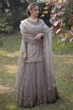 Party Wear Indian Dresses, Pakistani Wedding Outfits, Pakistani Dresses Casual, Indian Bridal Outfits, Dress Indian Style, Pakistani Wedding Dresses, Indian Fashion Dresses, Pakistani Dress Design, Indian Designer Outfits
