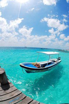 Wow! This looks absolutely amazing - my dream destination! #crystalwater #sunshine #kaylaitsines