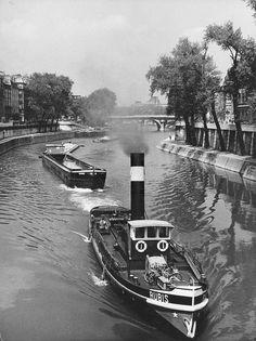 Bateaux sur la Seine, Paris vers 1949 © Louis Stettner: