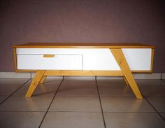 Tables and design on pinterest - Table basse relevable bois massif ...
