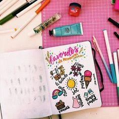 Parte de hacer bullet journaling es desarrollar tu creatividad con esta actividad que te ayuda a enfocarte en el presente y disminuir la ansiedad.   Mi journal está lleno de actividades como doodles, preguntas, dibujos, ejercicios, etc.   Ayer dibujé mis favoritos de primavera! La verdad me fue complejo porque no quería poner lo de siempre. Me sirvió para pasar un tiempo conmigo, saber por lo que estoy agradecida en primavera y saber que debo de disfrutarlo al máximo 🙋🏻♀️ antes de que…