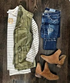 Green utility vest and distressed jeans Cute Fall Outfits, Fall Winter Outfits, Autumn Winter Fashion, Casual Outfits, Winter Dresses, Work Outfits, Early Fall Outfits, Summer Outfits, Beach Outfits