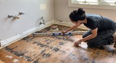 Guest Bathroom Renovation: Plumbing Rough-In and Floor Leveling Floor Grout, Shower Floor Tile, Craft Projects For Kids, Cool Diy Projects, Wood Projects, Pony Wall, Shower Installation, Glass Shower Doors, Wood Plans