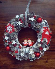 Christmas Wreaths, Christmas Decorations, Holiday Decor, Burlap Wreath, Halloween, Advent, Home Decor, Decoration Home, Room Decor