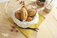 Madeleine noisettes & pois chiches Clean Recipes, Raw Food Recipes, Snack Recipes, Healthy Recipes, Madeleine Biscuit, Dessert Ig Bas, Biscuit Sans Gluten, Healthy Life, Healthy Snacks