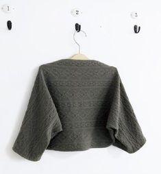 簡単に作れる!ストールにもなる おしゃれな2wayマーガレットの作り方(子ども服) | ぬくもり #ストール #マーガレット #女の子 #子ども服 #2way #ニット #手作り #作り方 #ハンドメイド #手芸 #NUKUMORE