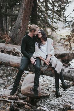 Neutral colors are a great choice for fall or winter engagement sessions in natural settings   Image by Blush Photography