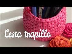 Como hacer cesta redonda de trapillo fácil | ganchillo fácil - YouTube Beginner Crochet Tutorial, Crochet For Beginners, Crochet Toddler Hat, Braidless Crochet, Single Crochet Decrease, Crochet Carpet, Linen Stitch, Crochet Keychain, Crochet Stitches Patterns