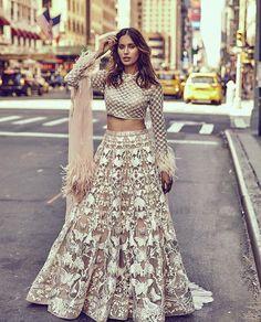 New Wedding Indian Bridal Lehenga Pakistani Dresses 61 Ideas Indian Lehenga, Lehenga Choli, Anarkali, Indian Wedding Outfits, Pakistani Outfits, Bridal Outfits, Indian Outfits, Dress Wedding, Indian Reception Outfit