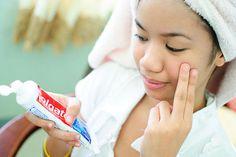 17 onverwachte manieren om tandpasta in en om het huis te gebruiken