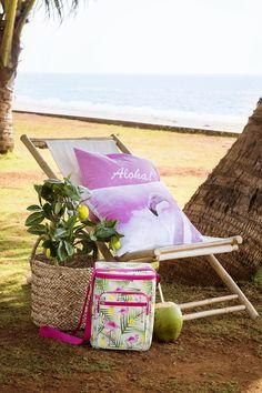 #Kremmerhuset #sommer #summer #tropisk #tropical #pillow #putetrekk #sitrontre #sitron #farger #miljøbilde #lemon #lemontree #pink #gult #yellow #fargepalett #grønt #grønn #stilleben #interiør #husoghjem #hjemme #hjemmet #home #interior #utendørs #outdoors #fluktstol #bambus #kjølebag #cooler #kurv #sjøgress #seaweed #bambus #bamboo #beach #strand #coconut #vacation #ferie #relax #enjoy #flamingo #aloha