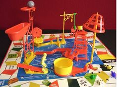 Mousetrap, aka the game you never really knew how to play but still spent hours with, setting off the trap just to watch that baby go 27 Toys That Will Catapult Every Millennial Straight Back Into Their Childhood 1970s Childhood, Childhood Toys, Childhood Memories, Mouse Trap Game, Mouse Traps, Plastic Memories, 1970s Toys, Retro Toys, 1990s Kids Toys