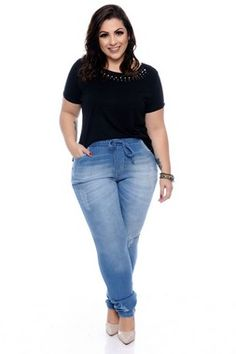 Vestido Plus Size Leatti Plus Size Tips, Looks Plus Size, Look Plus, Plus Size Casual, Plus Size Jeans, Plus Size Outfits, Chubby Girl, Girl With Curves, Plus Size Beauty
