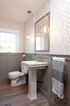 zarif desenli banyo duvar kağıdı