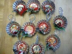Cutie retro tart tin Christmas ornaments.