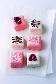 Check out what I found on the Paula Deen Network! Petit Fours http://www.pauladeen.com/petit-fours