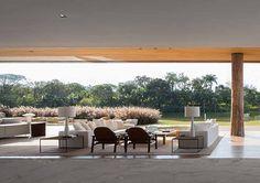 Arthur Casas modern house architecture