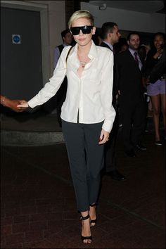 Style-Razzi: What We Love ()   Now we end this week's Style-Razzi with our love-and-hate-style celeb, Miley Cyrus. This week, we give a thumbs up to Miley as she dons a classic white dress shirt, sleek black pants, and a slick-back hair'do. Oh why can't you wear outfits like this more often?