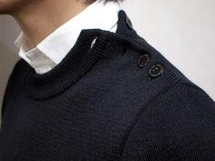 Crew neck | Guernsey | Shoulder button detail | White collar