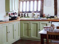 Кухня в стиле прованс (60 фото): французский шарм и деревенское очарование http://happymodern.ru/kuxnya-v-stile-provans-60-foto-francuzskij-sharm-i-derevenskoe-ocharovanie/ kuxnya-v-stile-provans_21