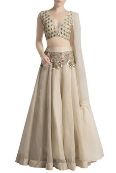 b388b4cf71ad57 50 Best Papa Don't Preach images in 2019 | Indian designers, Dress ...
