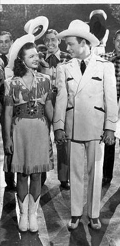 Roy Rodgers and Dale Evens Roy Rogers Movies, Rogers Tv, Tv Actors, Actors & Actresses, Western Costumes, Dale Evans, Vintage Cowgirl, Lone Ranger, Dirty Dancing