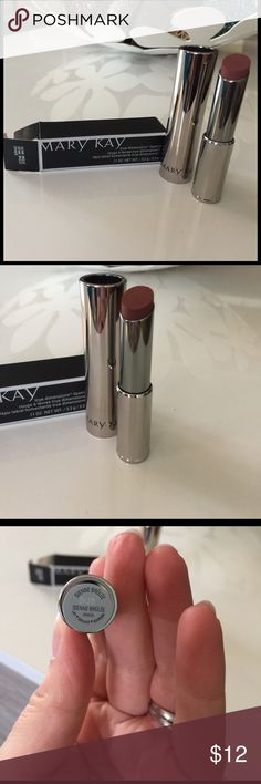NIB Mary Kay True Dimensions Lipstick Sienne Brule The shade of this lipstick is Sienne Brûlée. This Lipstick retains moisture in the skin, promoting a plumping effect for fuller looking lips. This listing is in no way affiliated with Mary Kay, Inc. Mary Kay Makeup Lipstick
