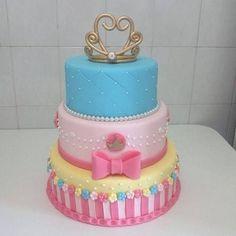 bolos decorados biscuit reino encantado - Pesquisa Google