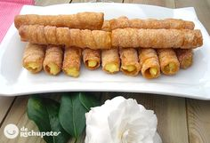Recipe of reeds or fried canutillos Desserts To Make, Sweet Desserts, Sweet Recipes, Delicious Desserts, Yummy Food, Desert Recipes, Gourmet Recipes, Pastry And Bakery, Other Recipes