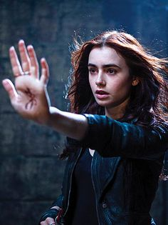 Clary Fray / Lily Collins in The Mortal Instruments: City of Bones