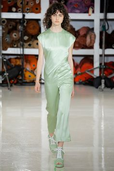 See the complete Sies Marjan Spring 2018 Ready-to-Wear  collection.
