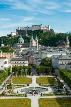 Mirabellgarten and Hohensalzburg Fortress. © Tourismus Salzburg