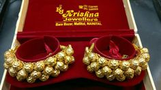 Kumauni paunchi Hand Jewelry, Royal Jewelry, India Jewelry, Beaded Jewelry, Jewelry Necklaces, Indian Bridal Jewelry Sets, Wedding Jewelry, Gold Fashion, Fashion Jewelry