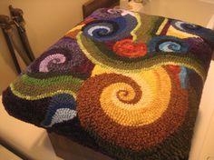 An interactive rug-hooking community. Rug Hooking Designs, Rug Hooking Patterns, Quilt Patterns, Rug Yarn, Wool Rugs, Latch Hook Rugs, Creative Textiles, Hand Hooked Rugs, Penny Rugs