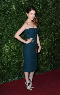 anna kendrick in burberry at the 2014 london standard theatre awards red carpet.