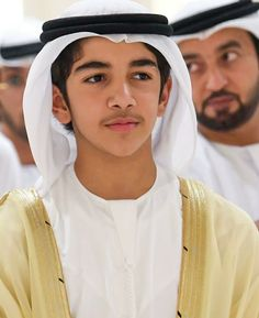 Muslim Men Clothing, Pakistani Dresses Online, Arab Men, Handsome Prince, My Prince Charming, King Of Hearts, Aesthetic Boy, Girl Hijab, Irene