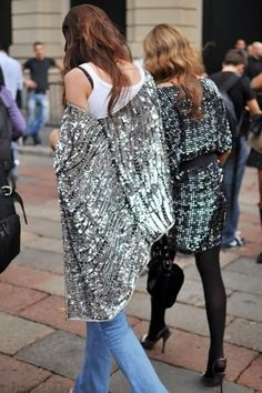 It just occurred to me that a metallic kimono is what my life has been missing. So fab.