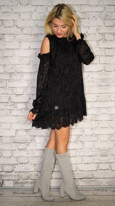Photo Sessions, Cold Shoulder Dress, Boots, Dresses, Fashion, Crotch Boots, Vestidos, Moda, Fashion Styles