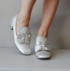 60s mod shoes / Silver Bows 60s metallic heels
