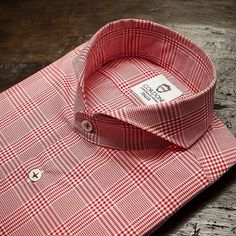 CORDONE 1956 - RED galles cotton shirt luxury hand-made , view. Shirt Collar Styles, Collar Shirts, Chemise Fashion, Dress Shirt And Tie, Dress Shirts, Bespoke Shirts, Designer Suits For Men, Collar Designs, Kurta Designs