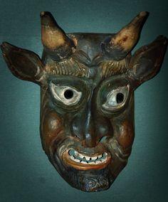 Masken von lustig bis schaurig-schön