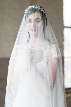 30 Classic Romantic Wedding Veils You ll Love 86cd0fb2c23b