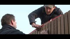 QuickClip® is een eenvoudig en onzichtbaar bevestigingssysteem voor voorgegroefde terras- en gevelbekleding, waarbij clips op een aluminium onderconstructie worden gemonteerd en er geen zichtbare schroeven of spijkers zijn. Met QuickClip® kan je een houten terras aanleggen of een gevel, poort en omheining bekleden.▪️QuickClip® is a simple and invisible mounting system for pre-grooved decking and cladding. | Carpentier