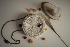 Crochet round handbag Crochet Fall, Crochet Round, Crochet Handbags, Crochet Earrings, Hats, Jewelry, Crochet Purses, Crochet Bags, Jewlery