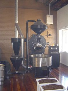 30 KG Industrial Roaster Espresso Coffee, Iced Coffee, Coffee Cups, Coffee Maker, Aeropress Coffee, Fresh Roasted Coffee, Pour Over Coffee, Cafe Shop, Blended Coffee
