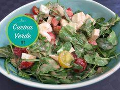 Erdbeer-Caprese Salat - Rezept von Joes Cucina Verde Mozzarella, Caprese Salat, Potato Salad, Spinach, Potatoes, Vegetables, Ethnic Recipes, Chef, Vinaigrette